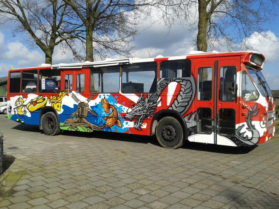 graffiti op stadsbus
