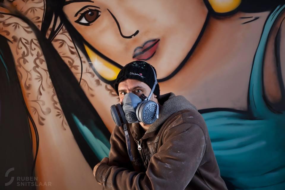 rolluik laten spuiten met graffiti